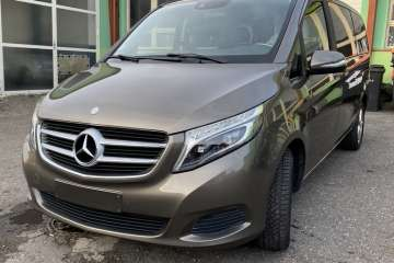 Mercedes - Benz V 220